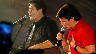 Foto Quintal da Clube com Gian e Giovani 29