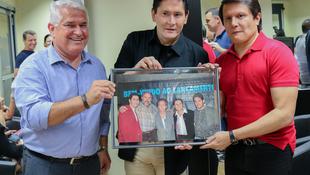 Foto Quintal da Clube com Gian e Giovani 48