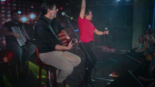 Foto Quintal da Clube com Gian e Giovani 147