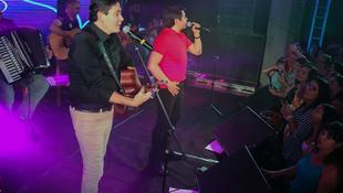 Foto Quintal da Clube com Gian e Giovani 150