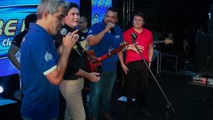Foto Quintal da Clube com Gian e Giovani 158