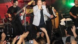 Foto Quintal da Clube com Leonardo 65