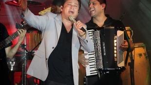 Foto Quintal da Clube com Leonardo 67