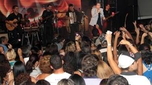 Foto Quintal da Clube com Leonardo 75