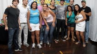 Foto Quintal da Clube com Inimigos da HP 77