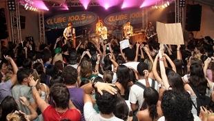 Foto Quintal da Clube com Nx Zero 46