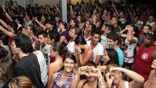 Foto Quintal da Clube com Nx Zero 55