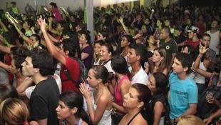 Foto Quintal da Clube com Nx Zero 60