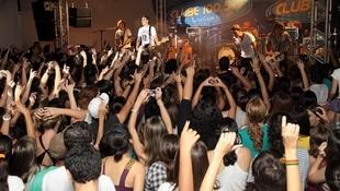 Foto Quintal da Clube com Nx Zero 75