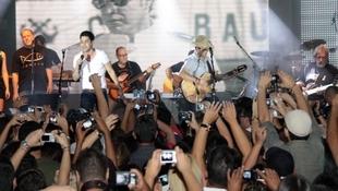 Foto Quintal da Clube com Zezé Di  Camargo & Luciano 13