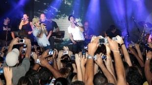 Foto Quintal da Clube com Zezé Di  Camargo & Luciano 31