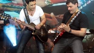 Foto Quintal da Clube com Zezé Di  Camargo & Luciano 45