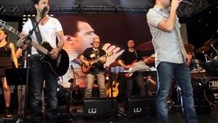Foto Quintal da Clube com Zezé Di  Camargo & Luciano 46