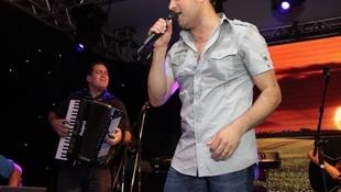 Foto Quintal da Clube com Zezé Di  Camargo & Luciano 56
