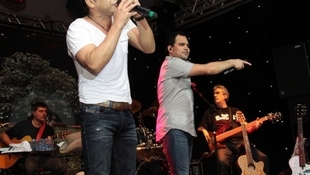 Foto Quintal da Clube com Zezé Di  Camargo & Luciano 62