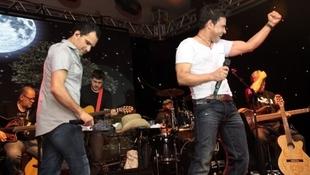 Foto Quintal da Clube com Zezé Di  Camargo & Luciano 69