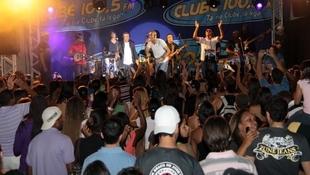 Foto Quintal da Clube com Art Popular 11