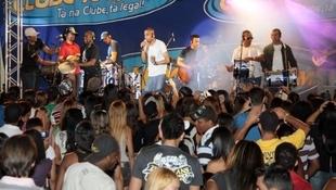 Foto Quintal da Clube com Art Popular 23