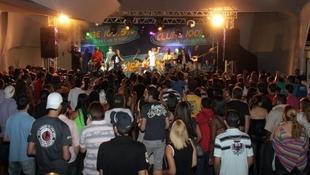 Foto Quintal da Clube com Art Popular 24