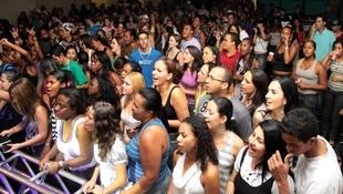Foto Quintal da Clube com Art Popular 32