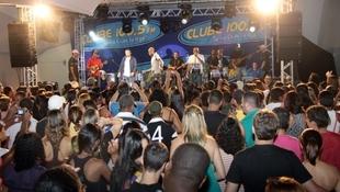 Foto Quintal da Clube com Art Popular 54