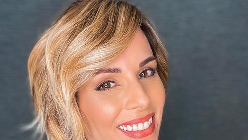 Ana furtado compartilha novo corte de cabelo: 'Finalmente a glória!'
