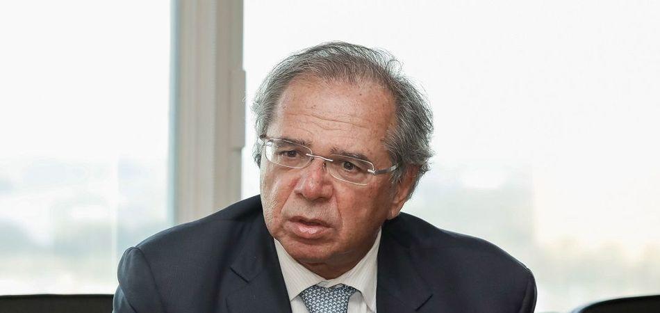 Guedes é condenado a pagar R$ 50 mil por comparar funcionários públicos a parasitas