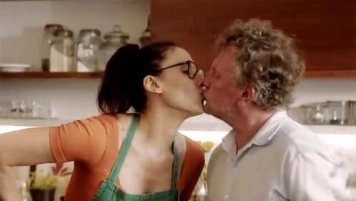 """""""PARA CONTINUAR COZINHANDO"""": Paola Carosella diz que nunca critica receitas do marido"""