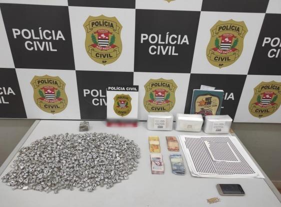 Dise detém homem com quase mil porções de maconha em Ribeirão Preto