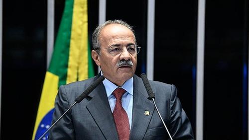 Senador Chico Rodrigues, que escondeu dinheiro na cueca, pede afastamento por 90 dias