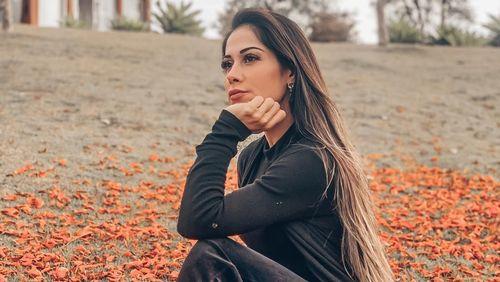 Mayra Cardi presenteia funcionário com um apartamento