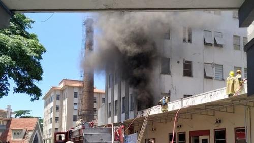Incêndio atinge hospital no Rio de Janeiro