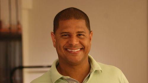 Neto aconselha Marcelinho Carioca a desistir da política