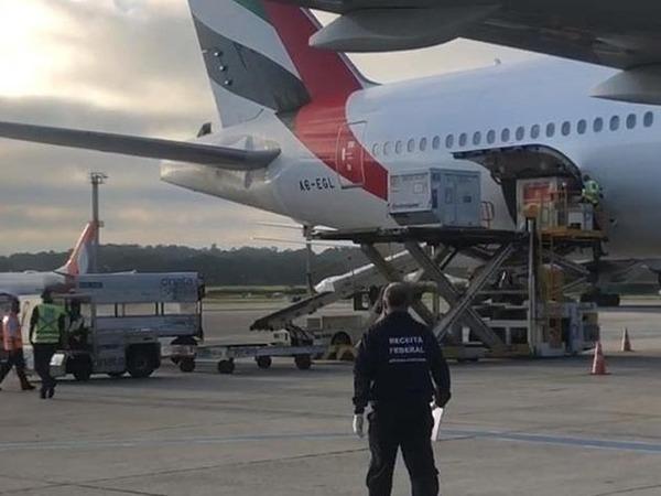 Chega a São Paulo avião com mais 2 milhões de vacinas da Índia