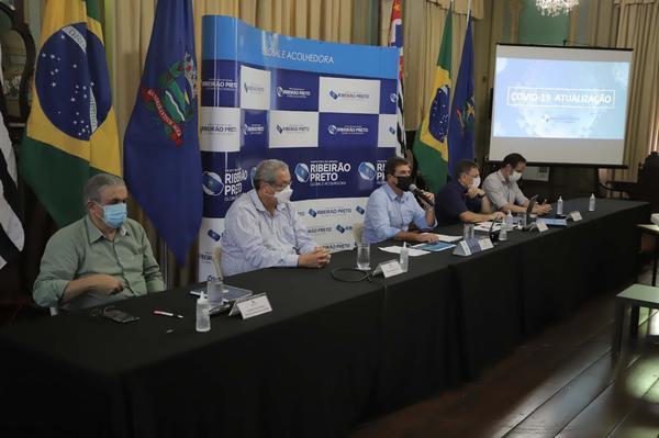 Ribeirão Preto identifica 12 casos da variante do coronavírus de Manaus