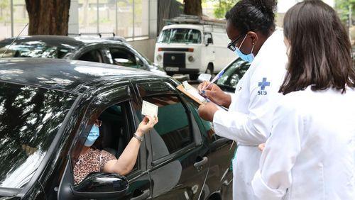 Estado de São Paulo antecipa início da vacinação para maiores de 80 anos