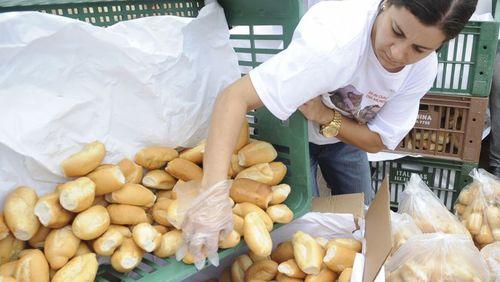Preço do pão francês deverá ser fixado próximo ao balcão de venda