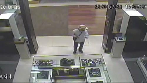 Criminosos assaltam joalheria em shopping de Ribeirão Preto