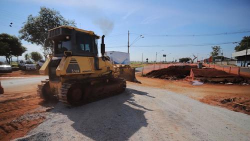 Novos trechos da avenida Thomaz Alberto Whately são interditados para obras
