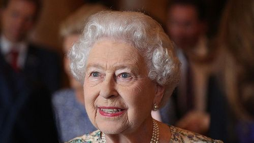 Rainha Elizabeth lança sua própria cerveja