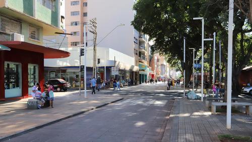 Ribeirão Preto adequa horário de funcionamento de comércio e serviços