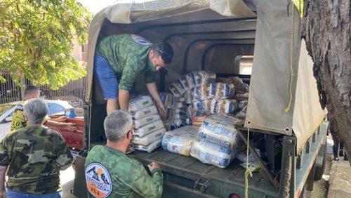 Grupo de jipeiros doa cerca de 7 toneladas de alimentos para ONG de Ribeirão Preto