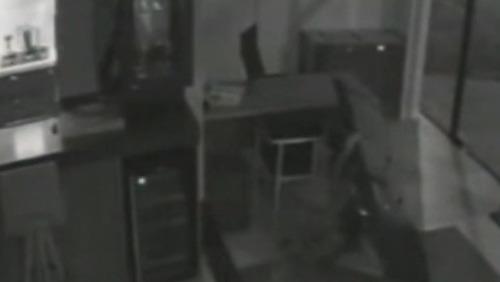 Homem esquece celular após furtar TV e é identificado no RS