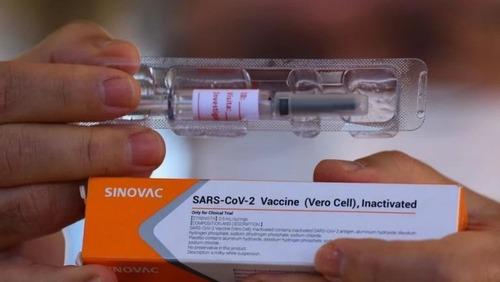 Estado de SP antecipa vacinação de profissionais da educação a partir dos 18 anos