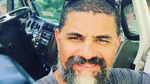"""Intérprete de """"Galopeira"""" vira motorista de caminhão devido à pandemia"""