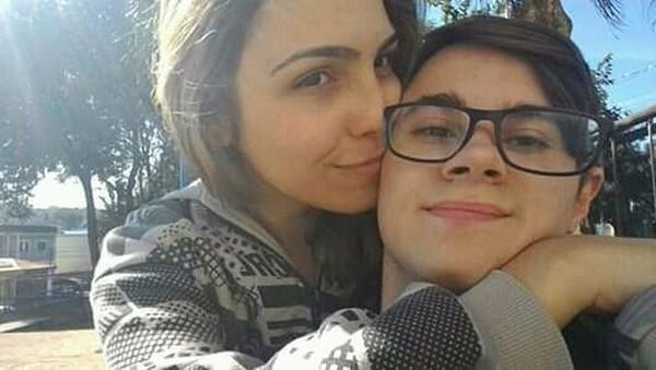 """Isabela Tibcherani relembra morte de 2 anos do namorado Rafael Miguel; """"A dor permanece aqui""""."""