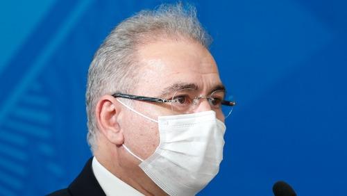 Queiroga despista sobre fim do uso de máscaras: 'Vai ser nosso caso'