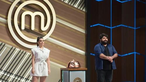 Naiara Azevedo e Fabiano Menotti invadem a cozinha do MasterChef Brasil