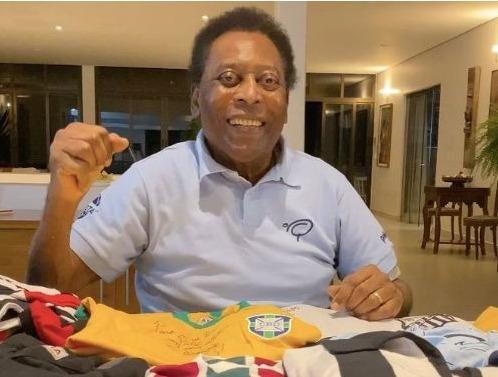 Em recuperação, Pelé deixa UTI de hospital em São Paulo