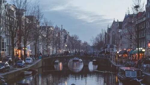 Holanda é mais um país a permitir volta de turistas brasileiros